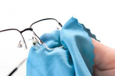 Brisanje i održavanje naočara