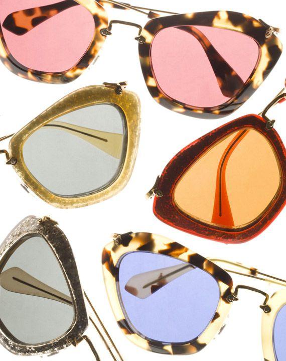 Naočare za sunce raznih boja i oblika