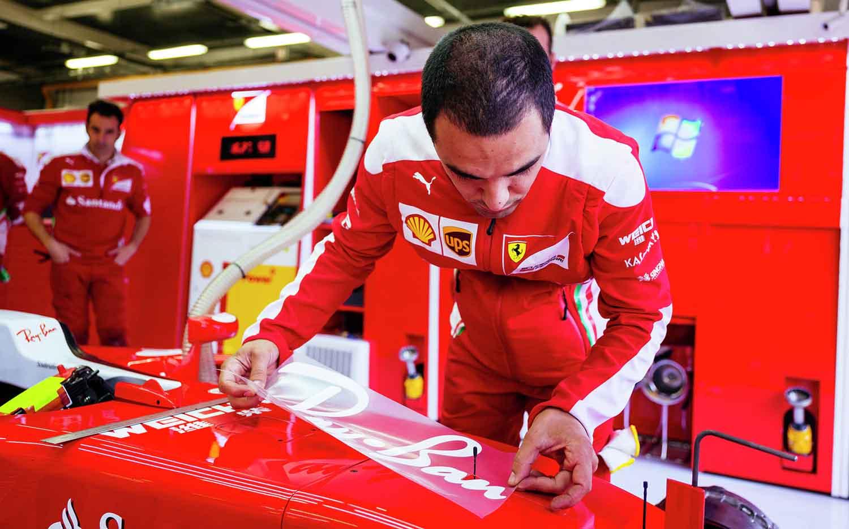 Ray Ban znak na Formuli 1